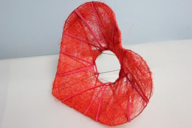 Каркас для букета сизаль Сердце красное  d=25см (1шт)