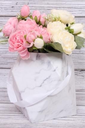 Кашпо-коробка одиночная - Многогранник ваза белая d=12,h=17см  В229