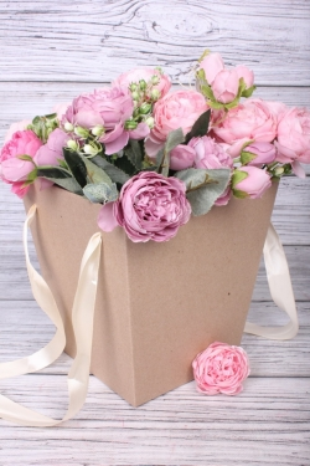 Коробка для цветов Трапеция крафт 195x195x200  бежевая лента   Д30603.009