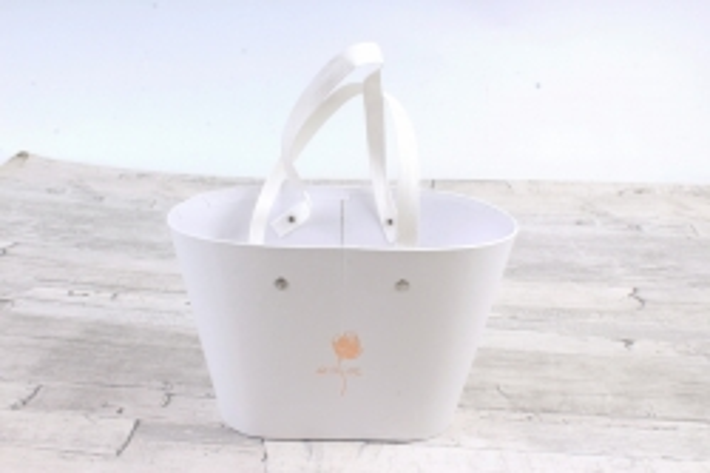Коробка для цветов Ваза Овальная с соломенными ручками Белый  1195 М