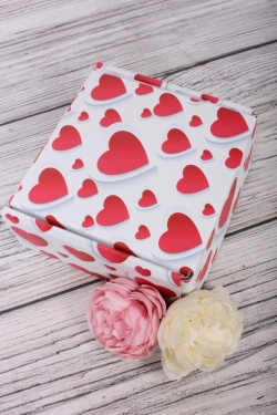 Коробка подарочная одиночная 1шт - Квадрат Сердца 135х135х60   (трансф)    Д30203К.004