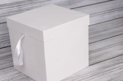 """Коробка транс. """"Однотонная"""" белая 22*22*22 см 1шт   B10331-50  М"""