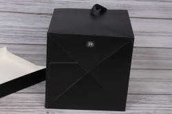 """Коробка транс. """"Однотонная"""" черная 22*22*22 см 1шт   B10331-50  М"""