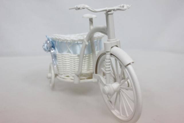 Корзина кашпо Велосипед пластик белый 25х11 h=17см