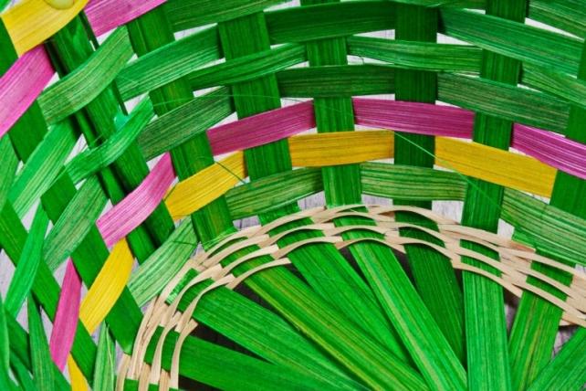Корзина плетеная (бамбук), зеленая  0671