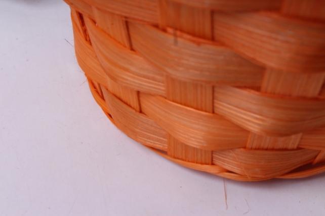 корзина плетеная (бамбук), d13xh9.5/28см оранжевая  0510