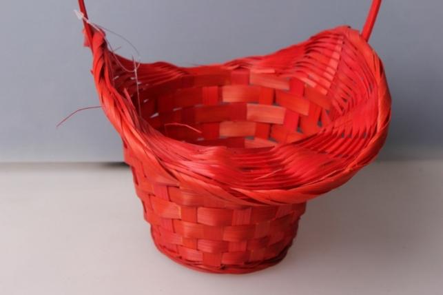 корзина плетеная шляпа (бамбук) красный. 3739
