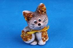 Кошка серая с янтарем