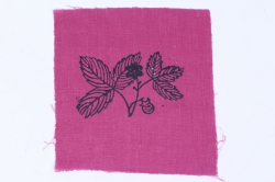Лён цвет Слива с ручной набойкой 15*15 см МИКС