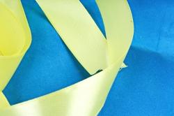 Лента атласная, в катушке (картон) гладкая, односторонняя, 25мм х 25м, Желтый (М), К