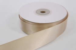 Лента атласная, в катушке (картон) гладкая, односторонняя, 25мм х 25м (бежевая 1007)  К