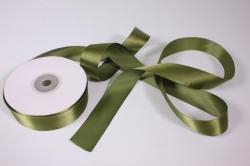Лента атласная, в катушке (картон) гладкая, односторонняя, 25мм х 25м (оливковая 1086)