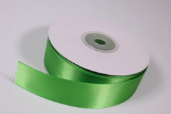 Лента атласная, в катушке (картон) гладкая, односторонняя, 25мм х 25м (зеленая 1072)