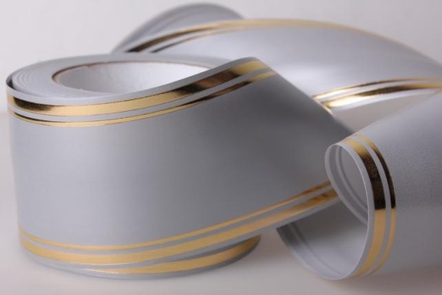 Лента с золотой полосой ( 8см*50ярд) лаковая L814 СЕРЫЙ