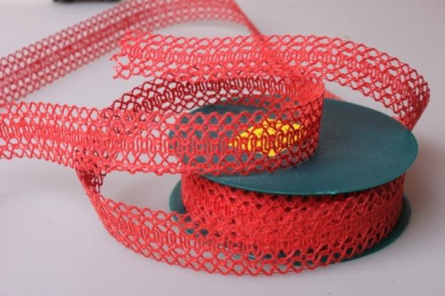 Лента тканная 2,5см х 10м Кружево Красная  224166 П