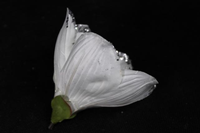 магнолия цветок-бутон белый с блестками (12шт в уп)  fme071722