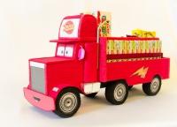 Машина из конфет Мак из мультфильма Тачки