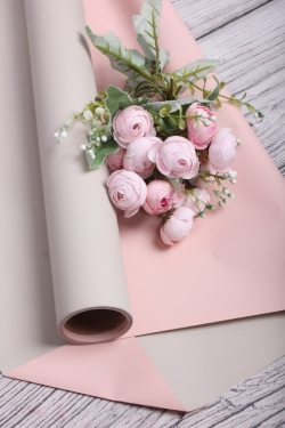 Матовая пленка двусторонняя 60см*10м, 70мкр. крем/светло-розовый 3655Н