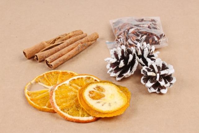 Набор ассорти (корица, бадьян, апельсин, ягода+шишки иней)  К