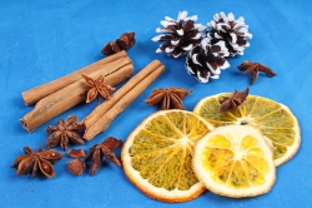Набор ассорти (корица, бадьян, апельсин+шишки иней)  К