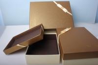 """Набор коробок из 3шт. Разноразмерные. """"Прямоугольные золото с бантом""""  33х24х11см  А91306-13 цвета и рисунки в ассортименте"""