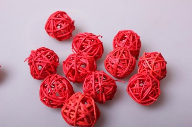 набор плетеных шаров из ротанга d=3см красные (12шт в уп)