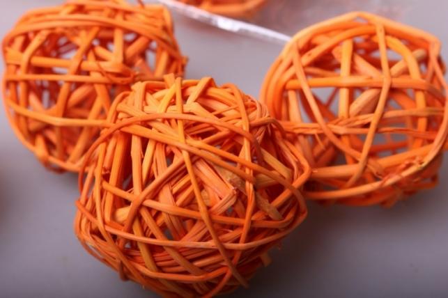 Набор плетеных шаров из ротанга d=5см Оранжевые (12шт в уп)