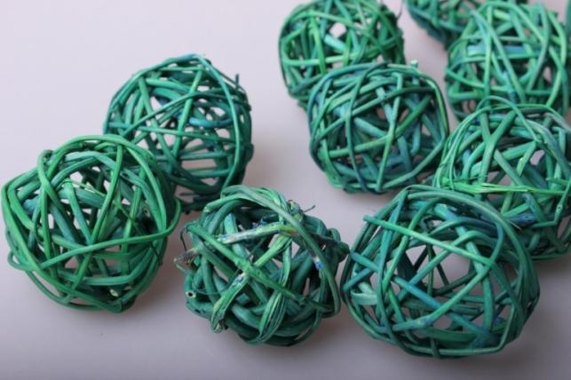 набор плетеных шаров из ротанга d=5см зеленые (12шт в уп)
