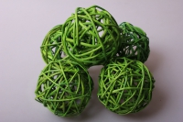 набор плетеных шаров из ротанга d=8см зеленое яблоко (6шт в уп)