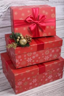 Набор подарочные коробок из 3 шт - Прямоугольник Снежинки микс красный 29*21*13см    N688