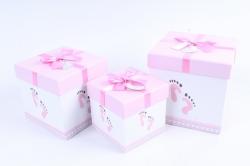 Набор подарочные коробок из 3шт - КУБ следы ног на розовом  К72