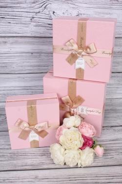 Набор подарочных коробок из 3 шт - Квадрат жатый металл розовый 19*19*9см В756