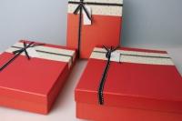 Набор подарочных коробок из 3шт. - Прямоуг. тиснение/бант 34х27х8см  цвета и рисунки в ассортименте