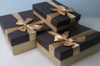 Набор подарочных коробок из 3шт. -  Прямоугольник бант золото  33х24х11см  цвета в ассортименте