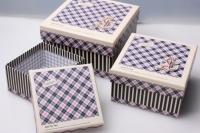 """Набор подарочных коробок из 3шт. Разноразмерные. """"Квадрат клетка"""" цвета в ассортименте"""