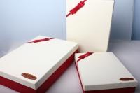 """Набор подарочных коробок из 3шт. Разноразмерные. """"Прямоуголные иметлин с бантом""""  38х28х9см цвета и рисунки в ассортименте"""