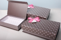"""Набор подарочных коробок из 3шт. Разноразмерные. """"Прямоугольные на магните в горошек"""" 26х16х8см цвета и рисунки в ассортименте"""