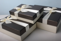 """Набор подарочных коробок из 3шт. Разноразмерные. """"Прямоугольные однотонный+бант""""  33х25х12см  А91306-8 цвета и рисунки в ассортименте"""