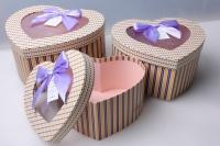 """Набор подарочных коробок из 3шт. Разноразмерные """"Сердце с окошком"""" цвета в ассортименте"""