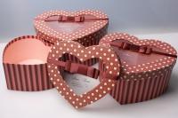 """Набор подарочных коробок из 3шт. Разноразмерные. """"Сердце с окошком"""" цвета в ассортименте"""
