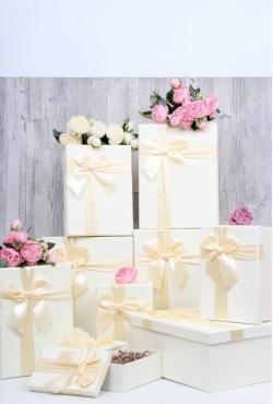 """Набор подарочных коробок из 10шт - Прямоугольник """"Белый с бантом"""" 33х25*15см SY604-6702"""