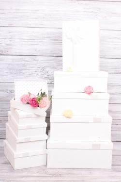 Набор подарочных коробок из 10шт - Прямоугольник рифленый белый 41*29*17см В465