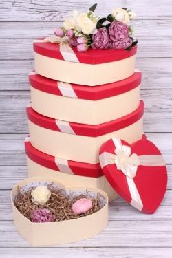 Набор подарочных коробок из 5шт - Сердце красная крышка 42*30*13см В186