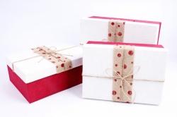 Набор подарочных коробок из 3шт- Прямоугольник лента мешковина красный горох  Р154