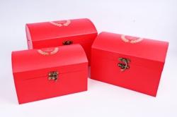 Набор подарочных коробок из 3шт- Сундук с гербом алый  Т45
