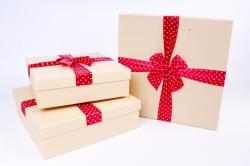 Набор подарочных коробок  из 3 шт - Квадрат крафт бант красный горох  Р170