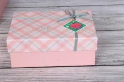 Набор подарочных коробок  из 3 шт - Прямоугольник косая клетка розовый 28*21*10см В495