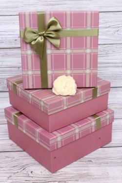 Набор подарочных коробок  из 3шт - Квадрат Клетка бордо/зелёный 24*24*11