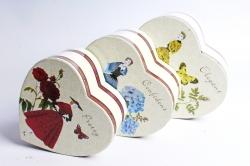 """Набор подарочный коробок из 3шт - Сердце  """"Девушка с букетом""""  6753"""