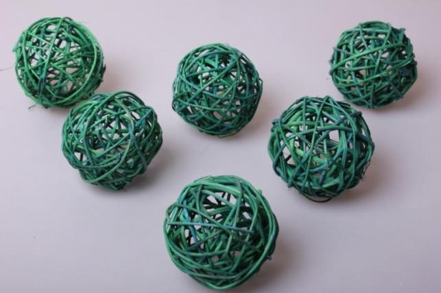набор шаров плетеных из ротанг d=8см зеленые (6шт в уп)